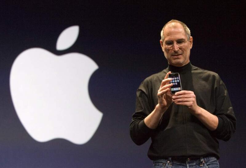 Стив Джобс представляет миру iPhone, 2007 год